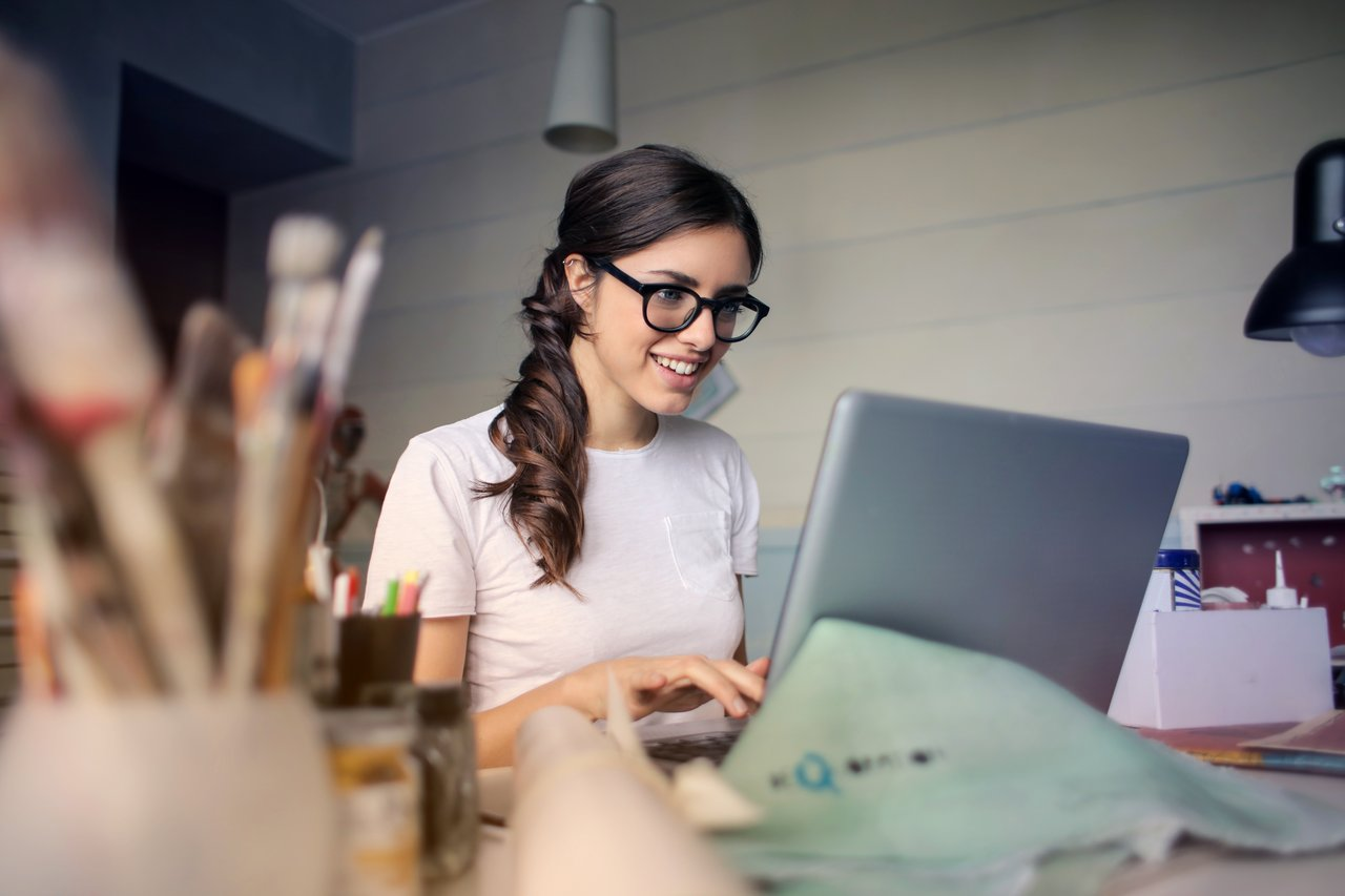 independent single mom working at her computer